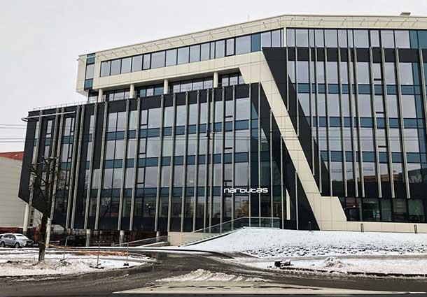 Daugiaaukščio administracinio pastato  apie 20.000 m3 sandarumo bandymas (20,000 m3 tightness test for multi-storey administrative building)
